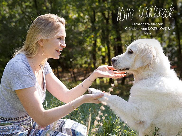 Katharina Walleczek, Gründerin von DOGSLOVE und ihr Hund Nala